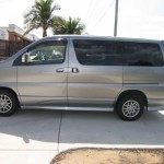 2001 Nissan Elgrand left side
