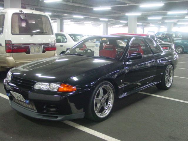 1993 Nissan Skyline R32 GTR VSpec front