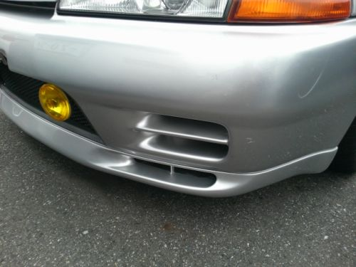 1992 Nissan Skyline R32 GTR silver bumper scratches
