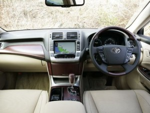 2009 Toyota Crown Majesta interior 7