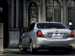 2009 Toyota Crown Majesta rear silver