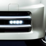 Nissan Cube Z12 AUTECH Rider Black Line LED daytime running lights