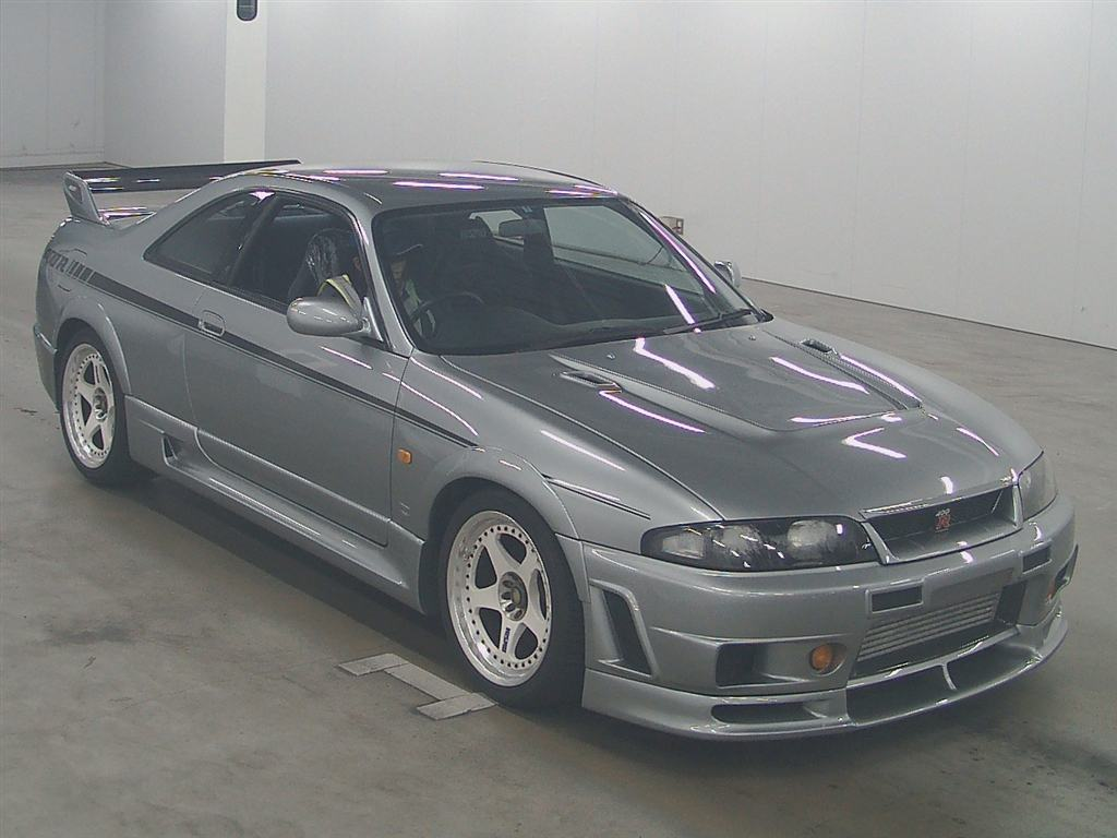1996-nissan-skyline-r33-gtr-nismo-400r-right-front