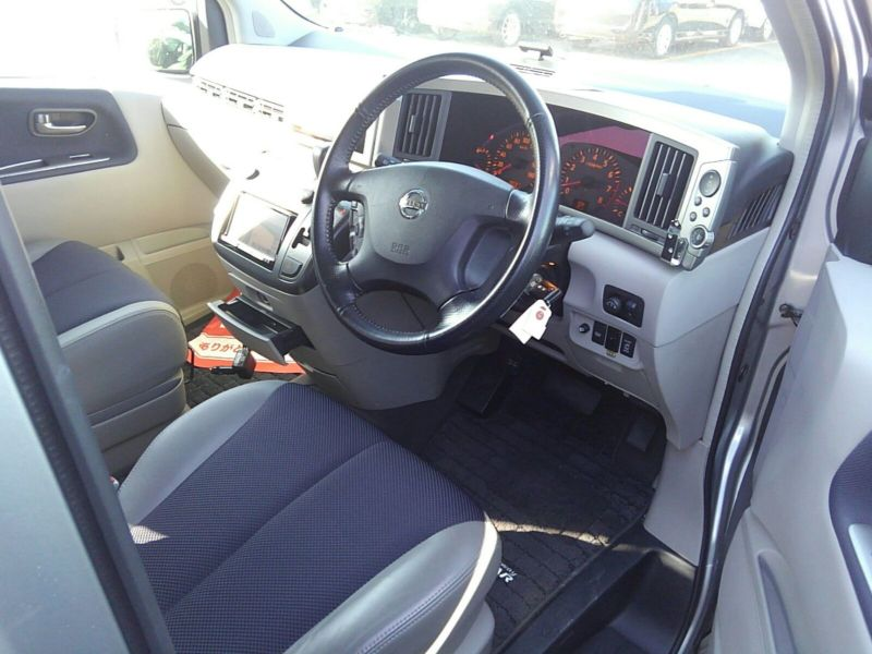 2003 Nissan Elgrand E51 Highway Star 2WD drivers seat