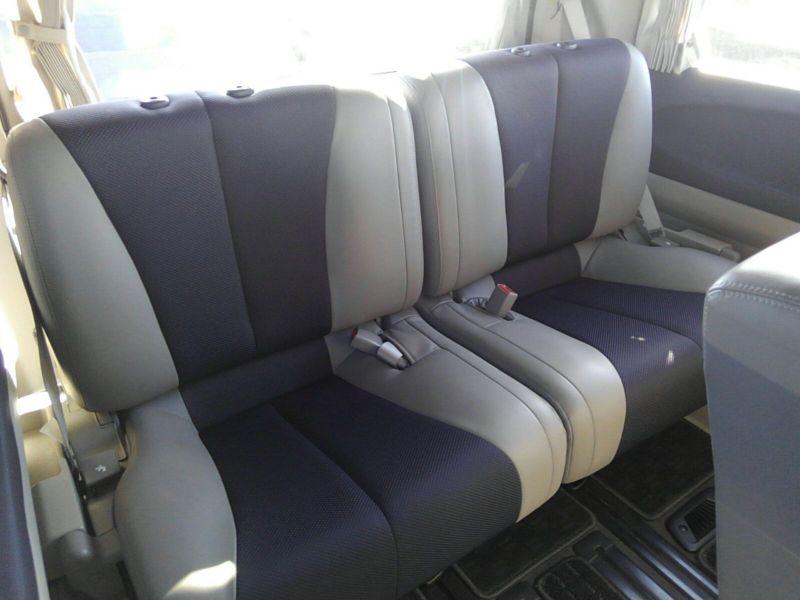 2003 Nissan Elgrand E51 Highway Star 2WD rear seats 2