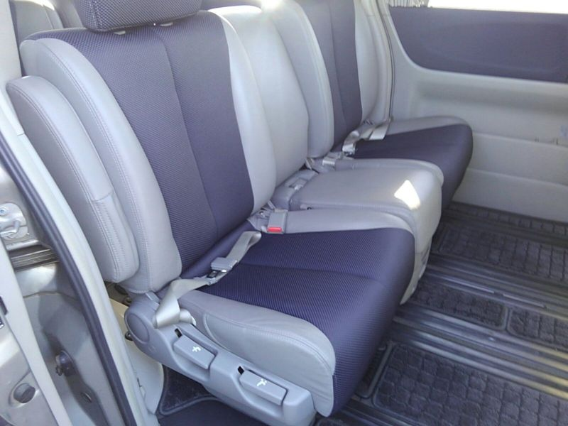 2003 Nissan Elgrand E51 Highway Star 2WD seat 3