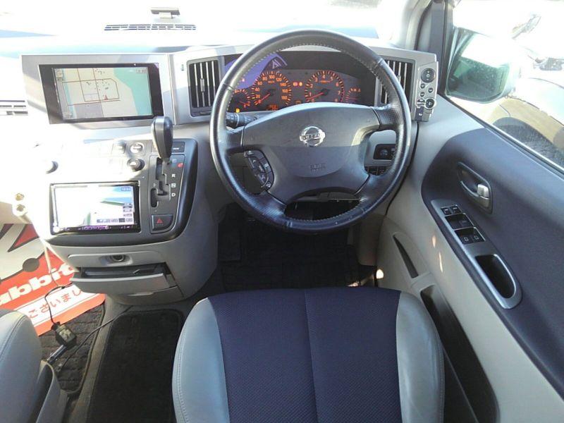 2003 Nissan Elgrand E51 Highway Star 2WD steering wheel