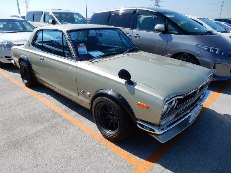 Hakosuka 1971 Nissan Skyline KGC10 coupe right front