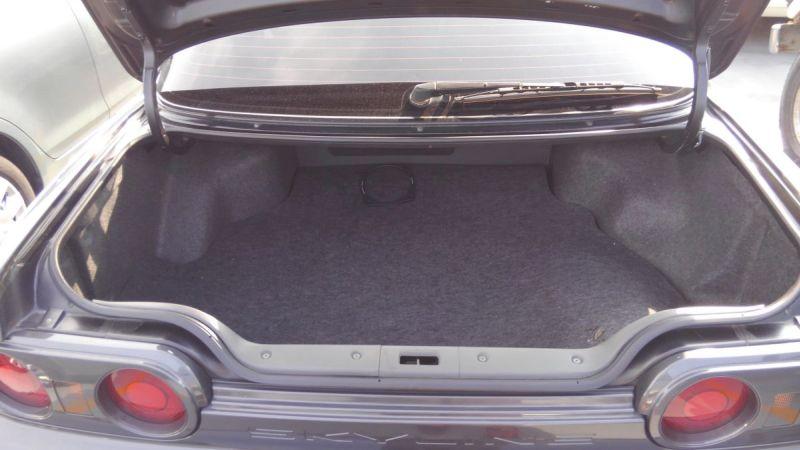 R32 GTR VSpec boot