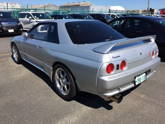 1994 Nissan Skyline R32 GT-R Tommy Kaira Special Edition left rear