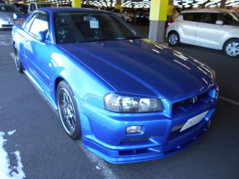 2001 R34 GTR VSpec II Bayside Blue right front a