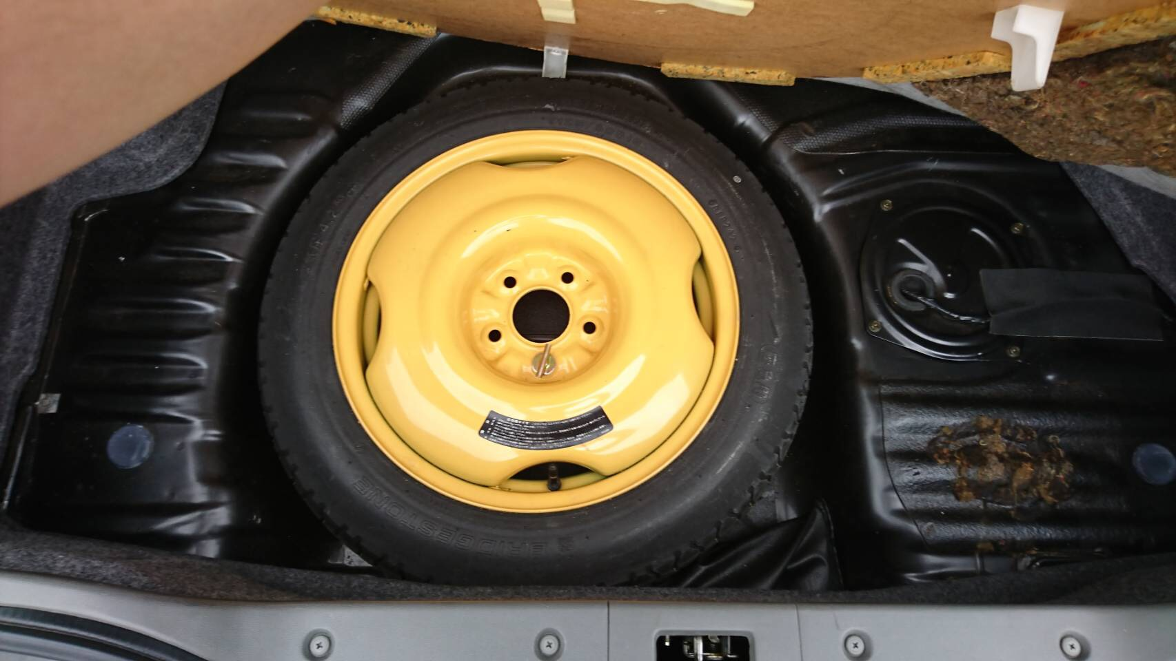1992 Nissan Skyline R32 GTR spare tyre