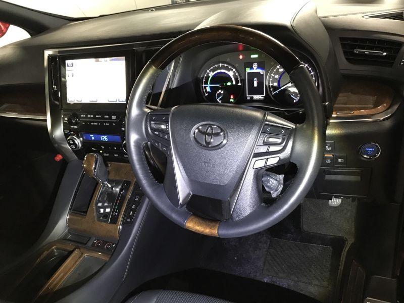 2015 Toyota Alphard Hybrid Executive Lounge steering wheel