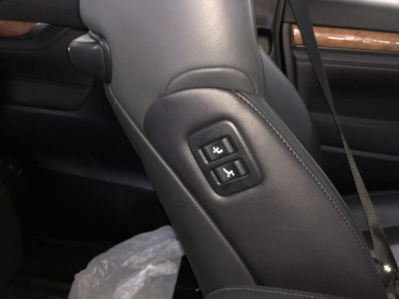 2016 Toyota Alphard Hybrid Executive Lounge electric seat switches