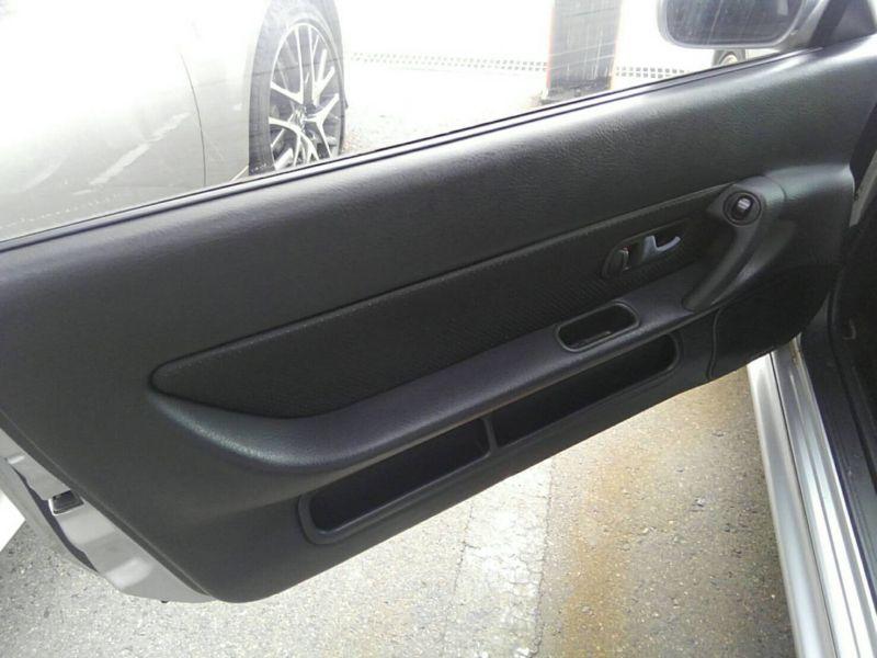 1992 Nissan Skyline R32 GTR door inner card