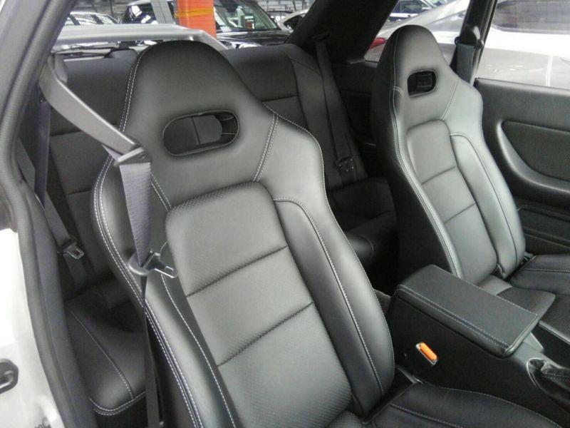 1992 Nissan Skyline R32 GTR interior 2