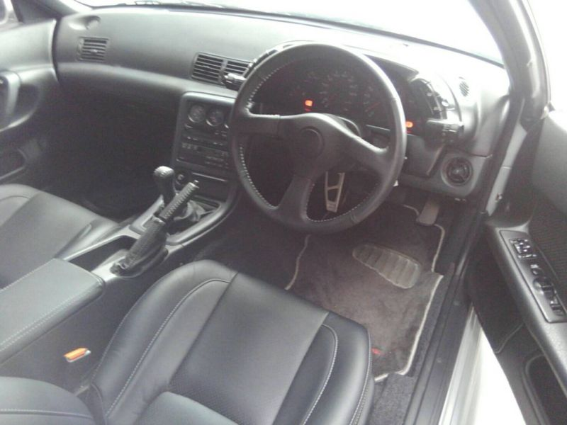 1992 Nissan Skyline R32 GTR interior